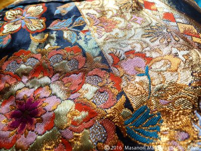刺繍模様の色打掛