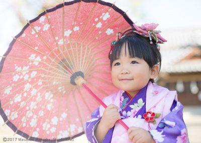 和傘をさしてのアップ写真です。