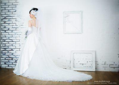 ウェディングドレスのスタジオ撮影